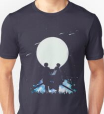 Eren and Levi by the moon T-Shirt