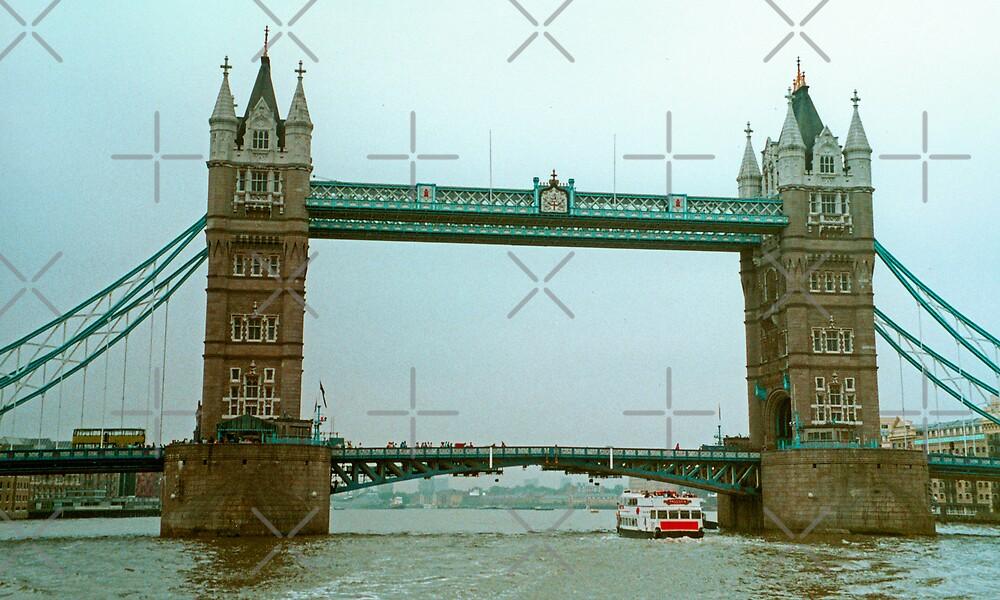Tower Bridge by Tom Gomez