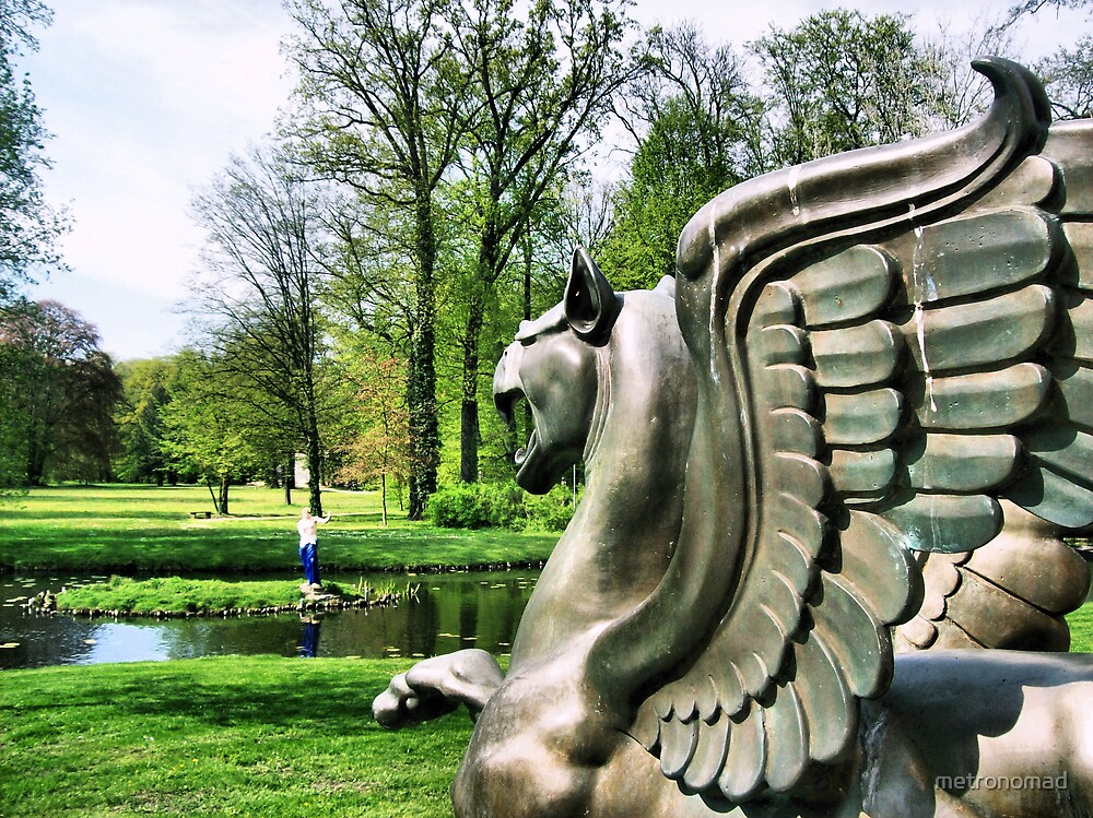 Venus of Padua and the Griffin by metronomad