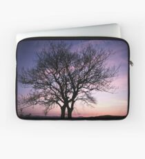 Two Trees embracing Laptop Sleeve