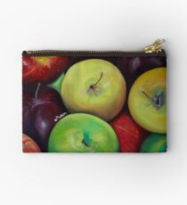 Apples to Apples Studio Pouch