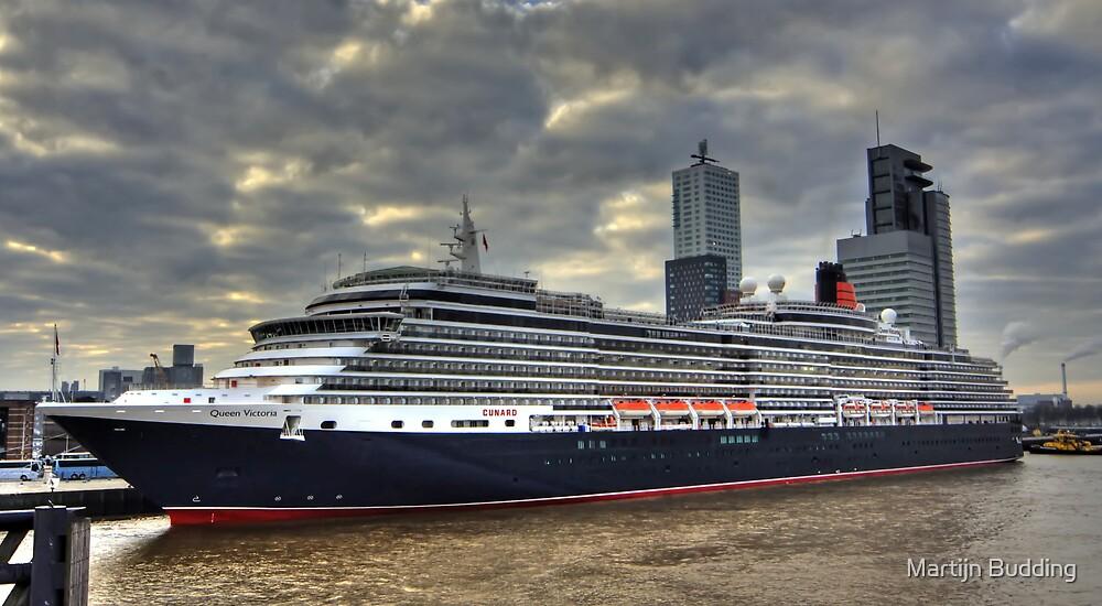 ms Queen Victoria - Maiden Voyage 3 by Martijn Budding