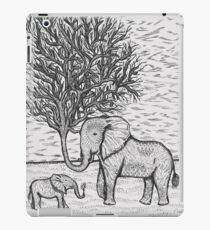 THE TALL TALE OF THE ELETRUNKS iPad Case/Skin