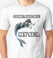 Come and see my sea. A nice picture of a space mermaid will attract people's admiring glances T-Shirt