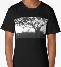 Money doesn't grow on trees Long T-Shirt