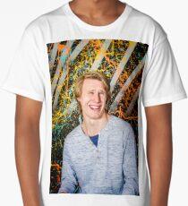 Funny guy laughing Long T-Shirt