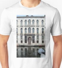 Beautiful Venetian building reflected in the water Unisex T-Shirt