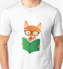 Nerd Kids boy librarian gift Reading book with fox T-Shirt
