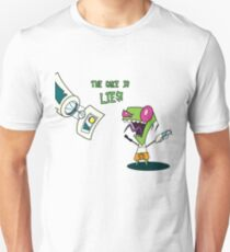 The Cake is LIES!!!! T-Shirt