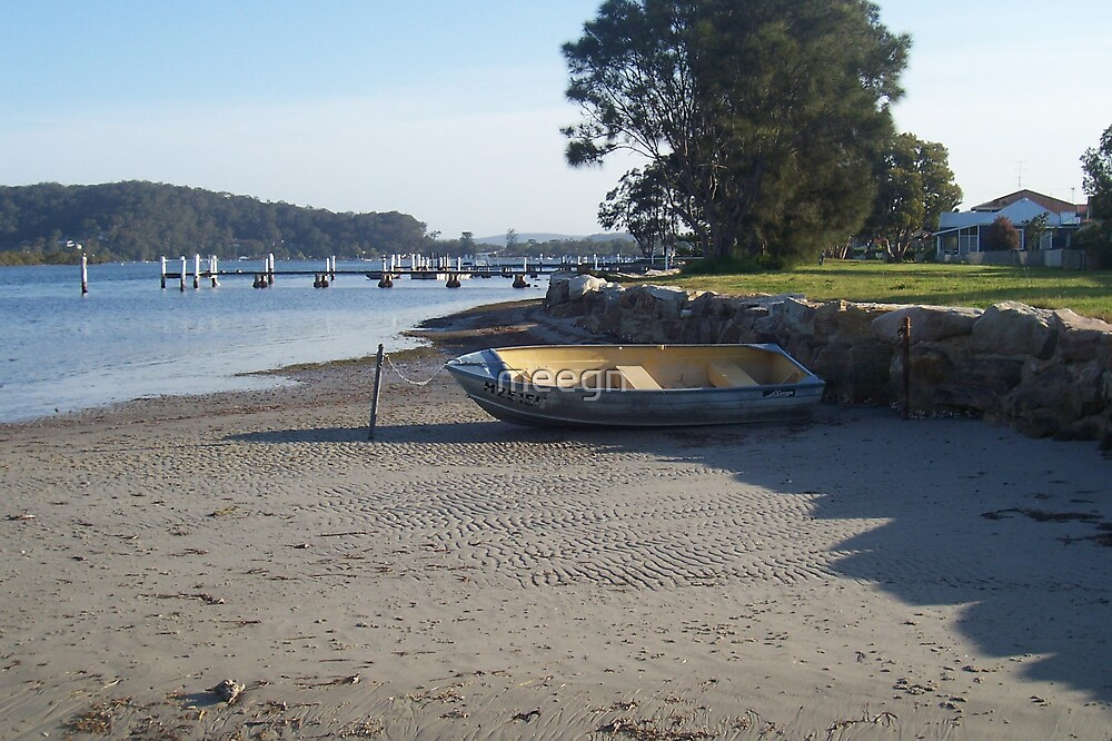 beached boat by meegn