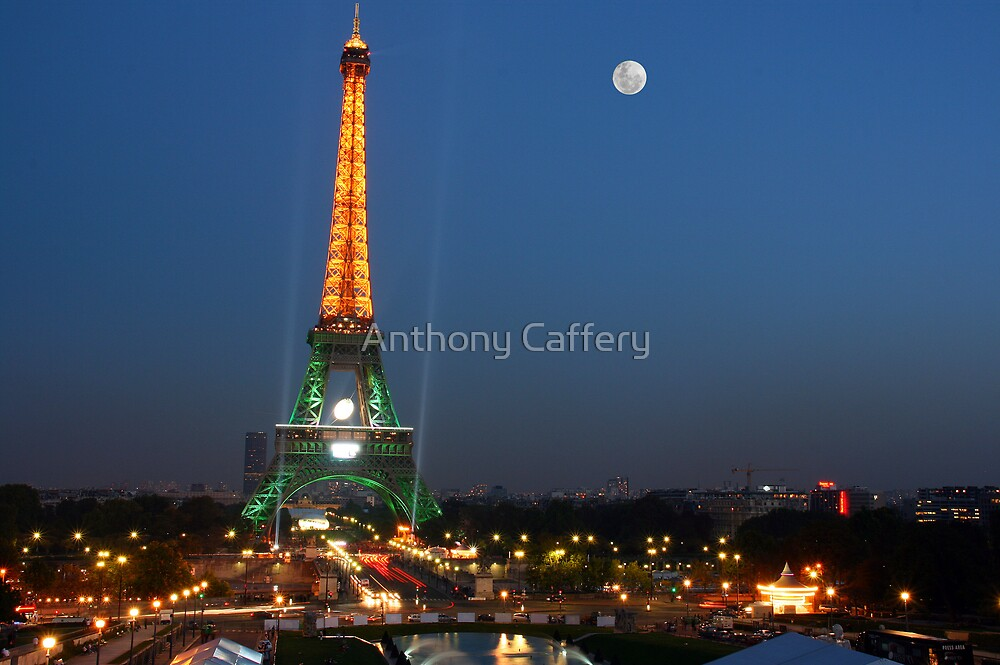 Eiffel Tower at night by Anthony Caffery