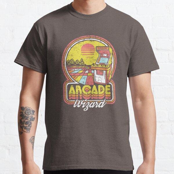 Ich habe die Silbermünze gespielt! Bringen Sie sich mit diesem Retro-Design der alten Schule mit extravaganten leuchtenden Farben und einem von den 80ern inspirierten Vektordesign mit handgezeichneten Elementen zurück in Ihre Arcade-Spieltage.  Classic T-Shirt