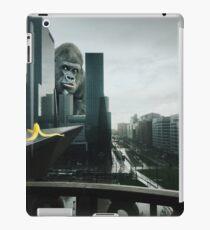 King Kong searching Banana in Town  iPad Case/Skin
