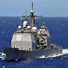 Der Lenkwaffenkreuzer USS Chancellorsville durchquert den Pazifischen Ozean. von StocktrekImages
