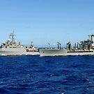 USS Denver und USNS Pecos führen eine Auffüllung auf See durch. von StocktrekImages