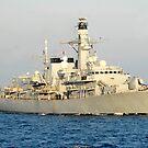 Die Royal Navy Fregatte HMS Monmouth durchquert den Atlantik. von StocktrekImages