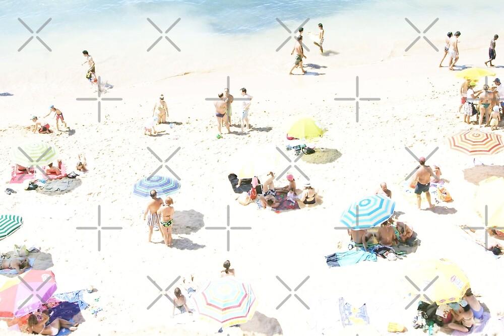 Beach - happy days by Ingrid Beddoes