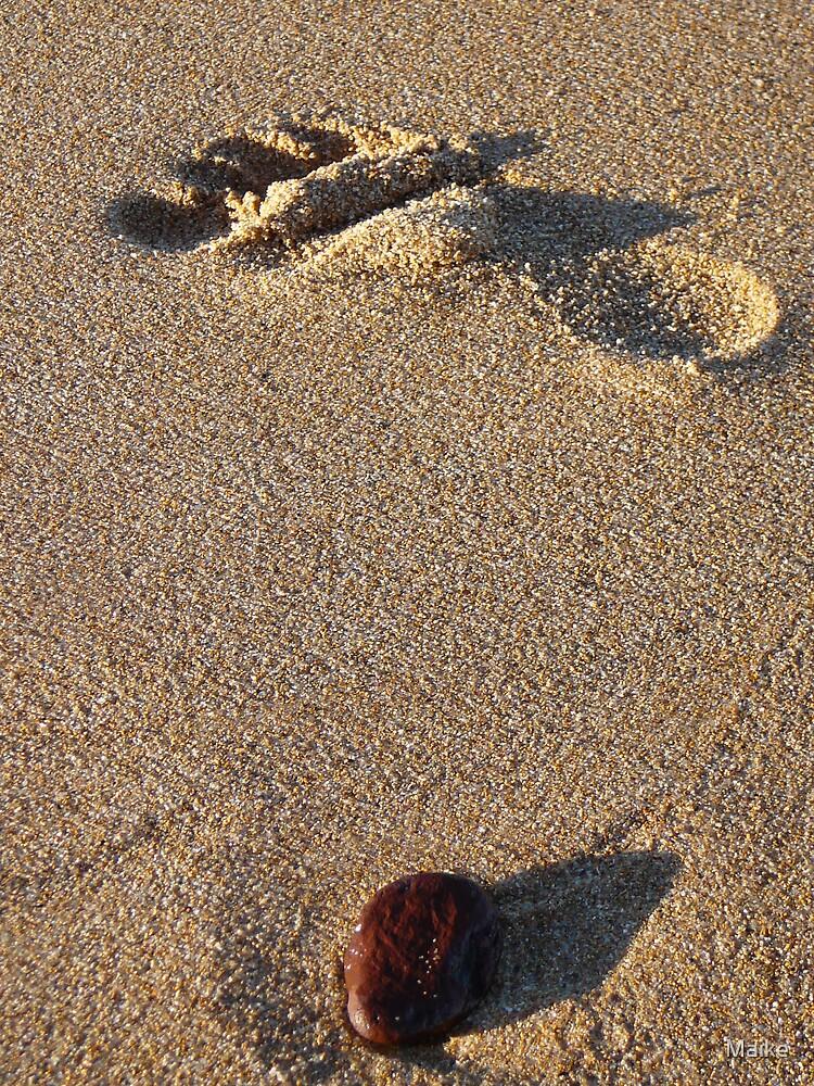 walk on the beach by Maike