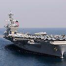 USS Carl Vinson und USS Bunker Hill durchqueren den Pazifischen Ozean. von StocktrekImages