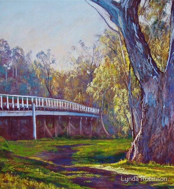 Goulburn Bridge, Seymour  by Lynda Robinson