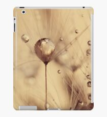 Dandelion - touch of gold iPad Case/Skin