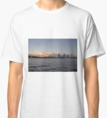 Milwaukee Wisconsin Skyline at Sunset Classic T-Shirt