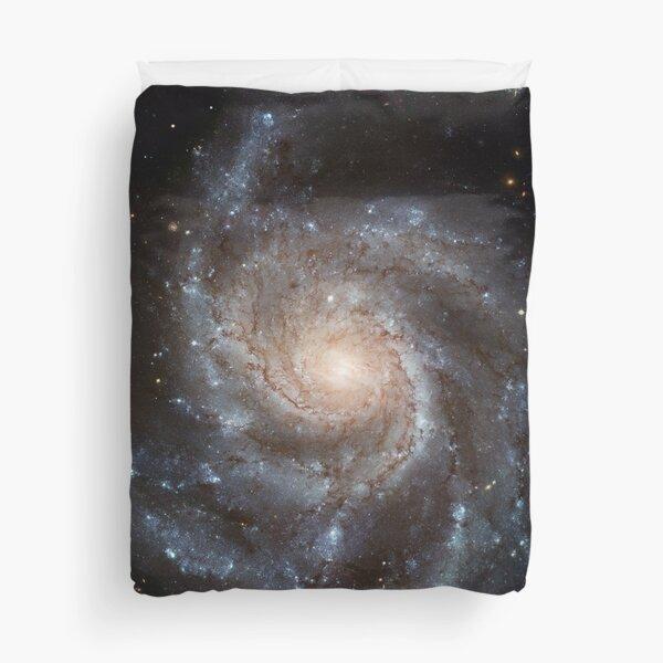 Spiral Galaxy (M101) Duvet Cover