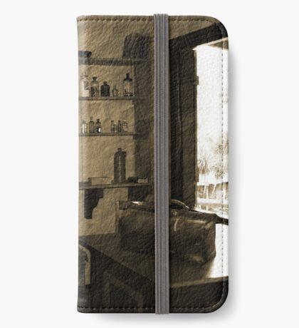 Alter Doc's Zimmer iPhone Flip-Case
