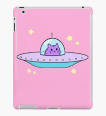ufc (unidentified flying cat) iPad Case/Skin