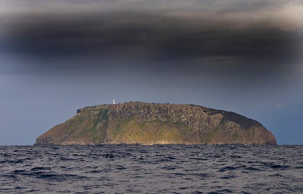 Tasman Island by Ian Robertson