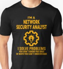 NETWORK SECURITY ANALYST - NICE DESIGN 2017 Unisex T-Shirt