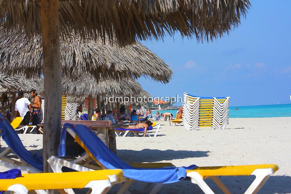 Beach life (Cuba) by jdmphotography