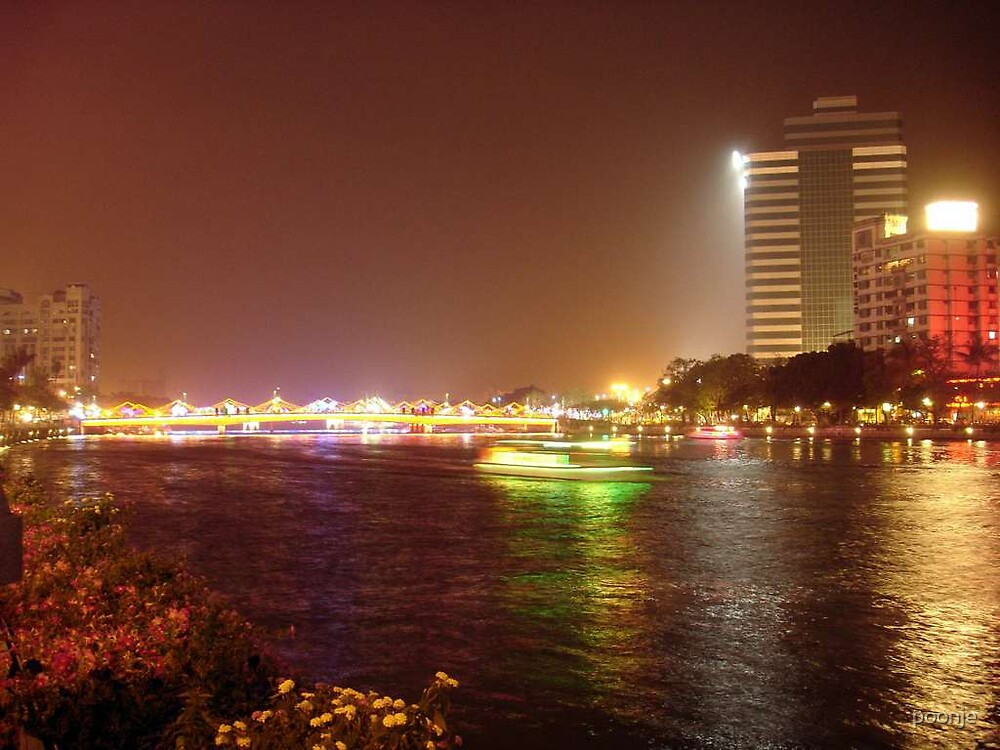 Night at Love river Kao hsiung by poonje
