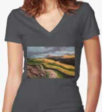 Hiking Glencoe Women's Fitted V-Neck T-Shirt