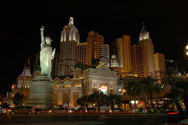 New York City in Las Vegas by alinuxer