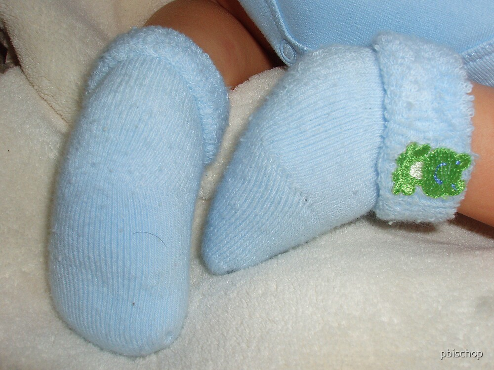 Feet with Eyelash by pbischop