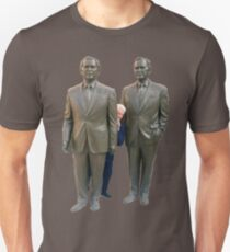 Bill Clinton Hiding in the Bushes T-Shirt