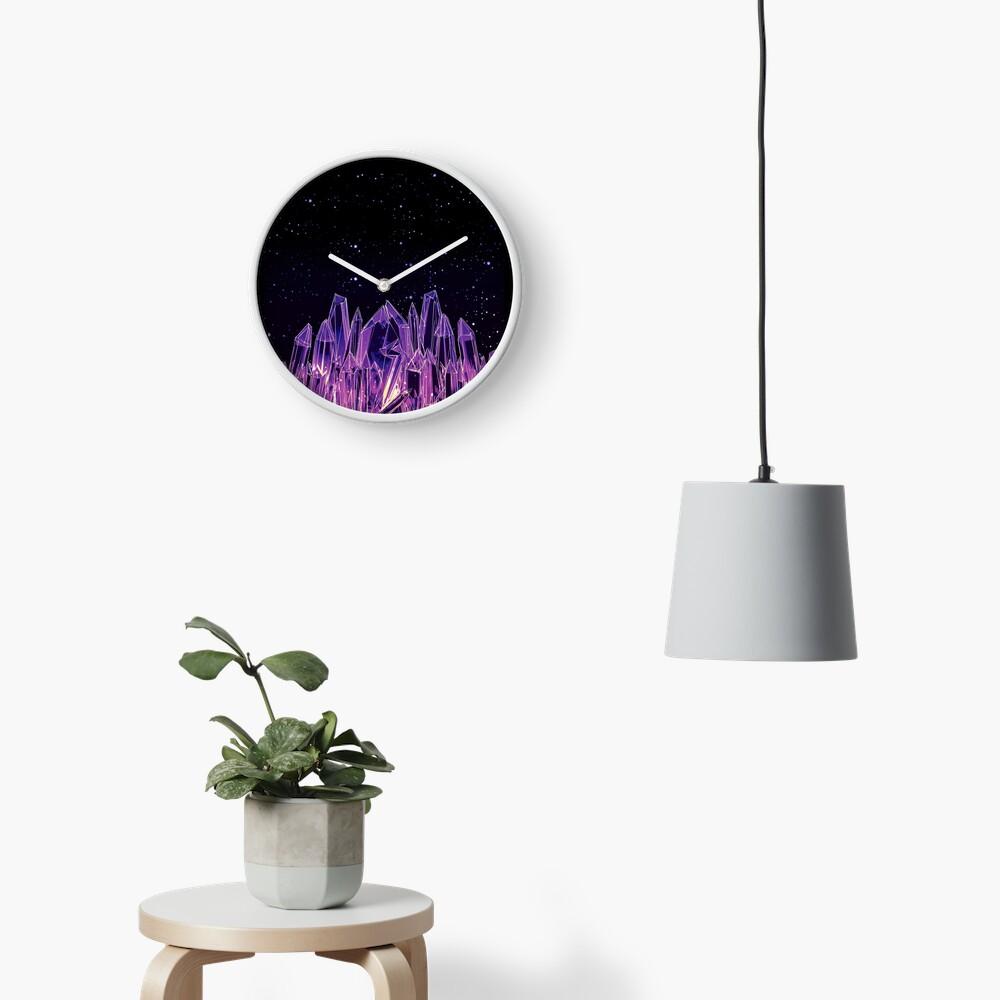 Dunkler Kristall Uhr