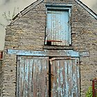 Old Somerset Barn by Alexandra Lavizzari