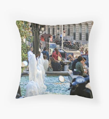 Lunchtime Paris Throw Pillow