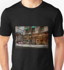 City - MA Boston - Meet me at the Omni Parker clock Unisex T-Shirt