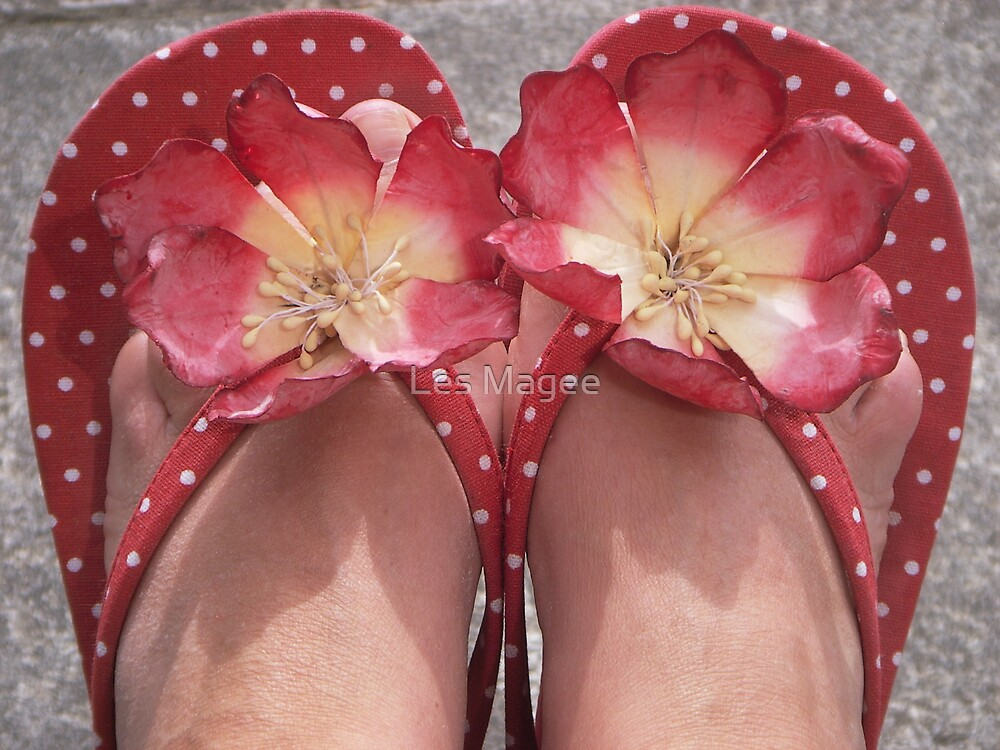 Summer Feet by Les Magee