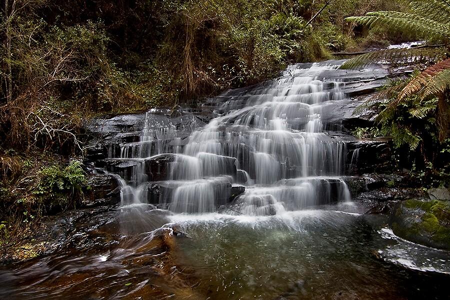 Cora Lynn cascades by Akif  Kaynak