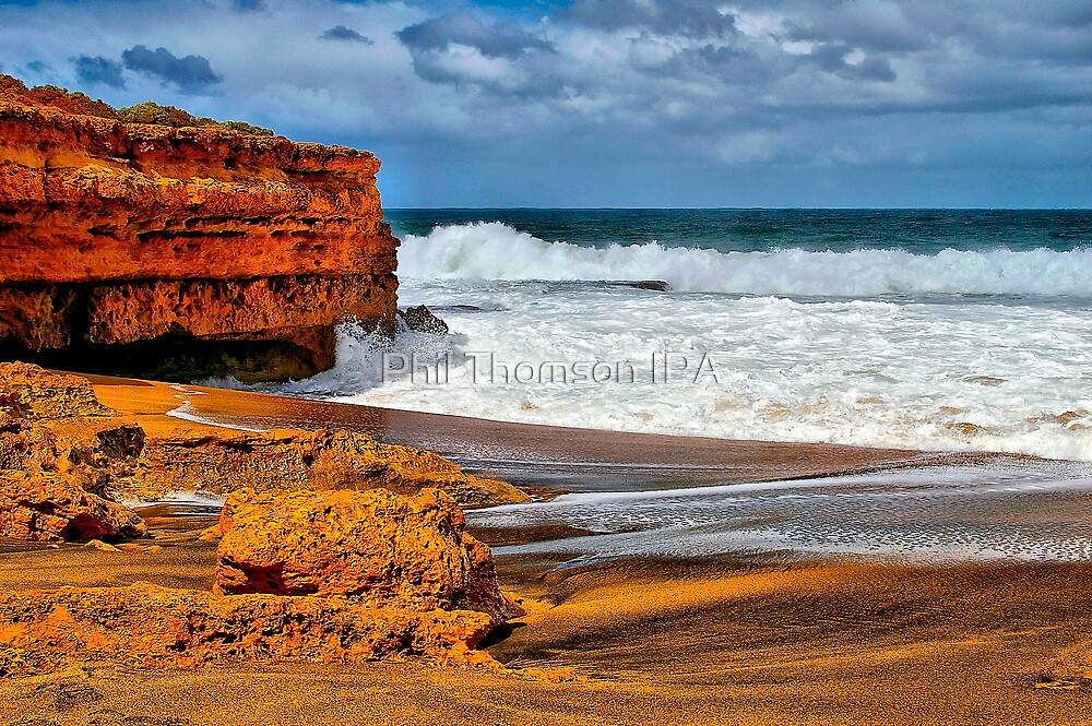 """""""Onshore Day at Winki Pop"""" by Phil Thomson IPA"""