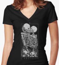 Camiseta entallada de cuello en V Los amantes