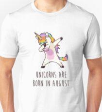 Einhörner sind im August - Dabbing Unicorn geboren Unisex T-Shirt