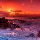 Maroubra sunrise by Erik Schlogl