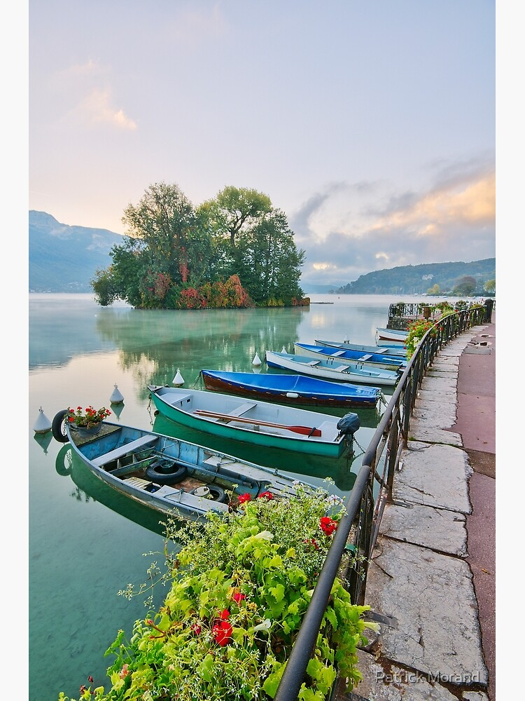 Annecy lake and the Swans Island by patmo