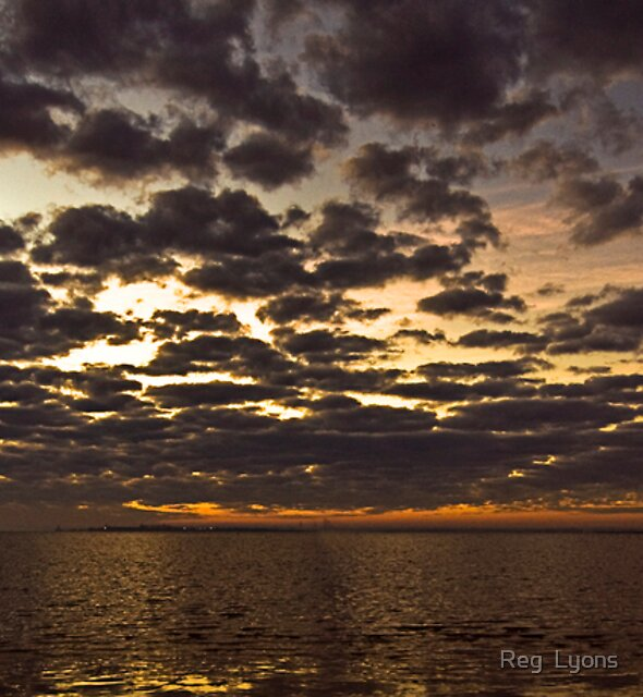Corio Bay at Dawn (2) by Reg  Lyons