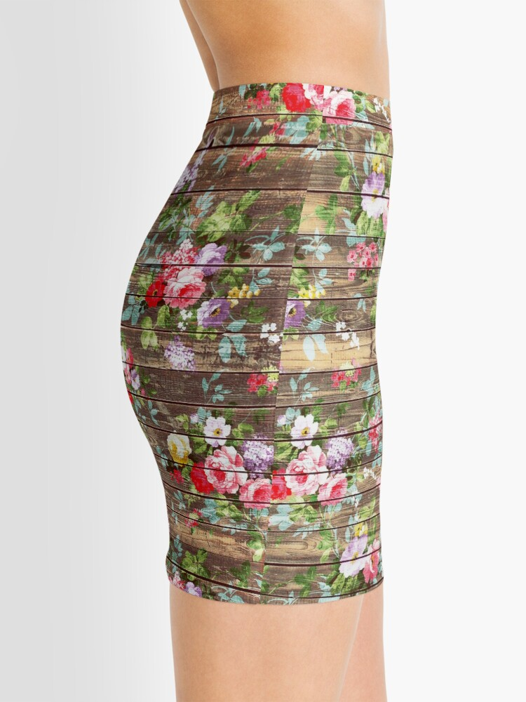 Alternative Ansicht von Blumen-rustikales braunes Holz der eleganten rosa Rosen Minirock